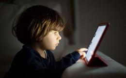 Con bạn có nghiện xem màn hình?