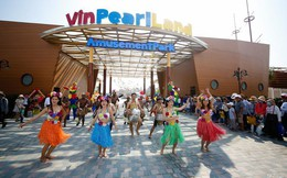 Sở hữu 32 khách sạn, 4 công viên giải trí, 2 safari và 2 sân golf, Vinpearl đang kiếm được bao nhiêu tiền?