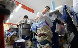 Mùa hè toát mồ hôi hột của học sinh Trung Quốc: Điểm cao mới được dùng điều hòa, nhà trường thậm chí còn mạnh tay cắt điện những lớp không đạt tiêu chuẩn?