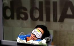 """Jack Ma nói: """"Làm việc bạn thực sự thích, 996 sẽ không thành vấn đề. Ngược lại, mỗi phút đi làm đều là cực hình"""". Đây là cách các công ty Trung Quốc khiến nhân viên tự nguyện """"996"""""""