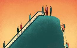Tuổi 35: Ranh giới sống - chết ở nơi làm việc, động lực dần biến mất, sợ hãi nhìn thế hệ trẻ đầy năng lượng kéo tới thay thế...