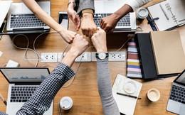"""Làm startup 10 người """"chết"""" 9, nay còn mai mất, rốt cuộc nhân viên chọn ở lại công ty vì điều gì?"""