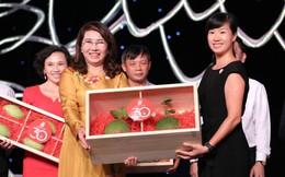 Một nhà bán lẻ Việt Nam đấu giá thành công 60 triệu đồng/quả bưởi da xanh, 100 triệu đồng/bó nhãn lồng cổ Hưng Yên