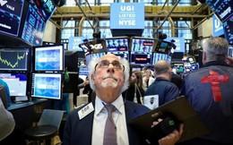 Cổ phiếu Apple bị hạ bậc, kéo Phố Wall giảm điểm