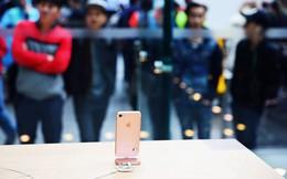 """Apple và Samsung """"tự bắn chân mình"""": Điện thoại đời cũ quá tốt, không ai muốn mua điện thoại đời mới giá cao nữa!"""