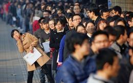 """Chẳng riêng Việt Nam, giới trẻ Trung Quốc cũng đang đau đầu vì học lắm mà vẫn """"vô dụng"""""""
