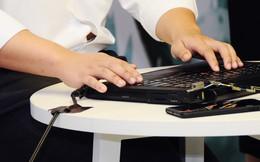 Lê Hoàng Uyên Vy ra mắt trung tâm hỗ trợ và phát triển công nghệ cho người mù