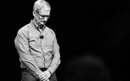Điểm lại các mốc sự kiện đáng nhớ trong 6 tháng trượt dốc của Apple
