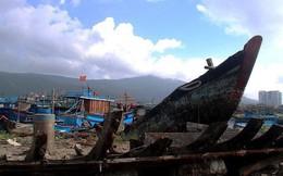 Ngổn ngang 'nghĩa địa' tàu cá xả bản ở Đà Nẵng