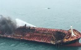Tin thêm về vụ tàu chở dầu Việt Nam bốc cháy ngoài khơi Hong Kong