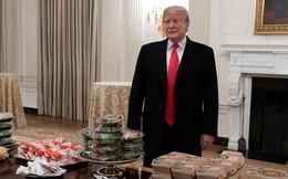 Trump tự bỏ tiền túi mở tiệc pizza mừng đội bóng vô địch