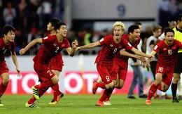 Bóng đá Việt Nam: Từ tuyết trắng Thường Châu tới Dubai rực nắng
