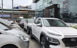 Cận Tết, xe Hàn cháy hàng, tăng giá mạnh, xe Nhật tồn kho, giảm giá sâu