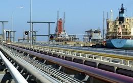 Thị trường dầu xáo trộn khi Mỹ chính thức trừng phạt Venezuela