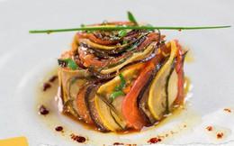 Tại sao những nhà hàng sang trọng bậc nhất luôn phục vụ khẩu phần ăn bé tí trên một chiếc đĩa to?