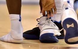 Video toàn cảnh pha đi bóng định mệnh làm nổ giày, khiến Nike bốc hơi 3 tỷ USD vốn hóa trong nháy mắt