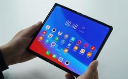 Đến lượt Oppo công bố smartphone màn hình gập của mình, thiết kế trông giống hệt Huawei Mate X