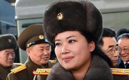 NÓNG: Trưởng nhóm nhạc nữ nổi tiếng Triều Tiên theo đoàn Chủ tịch Kim Jong Un tới Hà Nội