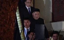 [ẢNH] Chủ tịch Kim Jong Un thăm Đại sứ quán Triều Tiên trong ngày đầu tiên đến Hà Nội