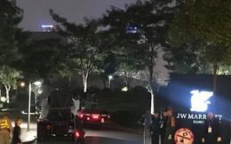 """Đón Tổng thống Donald Trump: Xe """"quái thú"""" rời khách sạn tới sân bay Nội Bài"""
