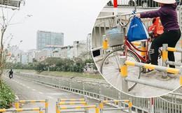 """Đường đi bộ ven sông Tô Lịch: Xe máy phi ầm ầm dù có biển cấm, xe đạp """"vượt"""" 3 hàng rào sắt trong ức chế"""