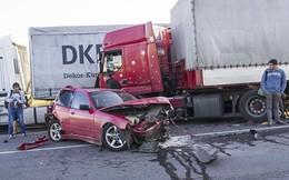Kinh nghiệm quan trọng để tránh xe tải, xe container an toàn
