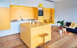 Cải tạo căn hộ gần trăm tuổi thành nơi ở hiện đại nhờ sắc vàng ấm áp