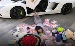 Trung Quốc có hẳn một ngành công nghiệp chuyên làm giả sự giàu có, giá khởi điểm 20.000 đồng
