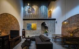 Ngôi nhà phố làm từ gạch trần thô mộc