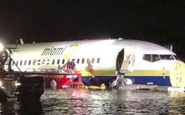 Máy bay Boeing 737 lao xuống sông, toàn bộ 136 người sống sót thần kỳ