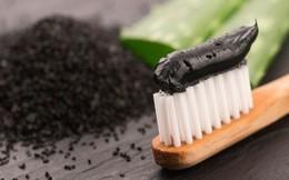 """Tạp chí nha khoa Anh Quốc: """"Kem đánh răng chứa than hoạt tính không làm trắng răng, thậm chí có hại"""""""