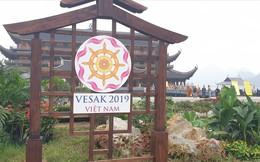 Hàng vạn người dân nườm nượp về Tam Chúc dự Đại lễ Phật đản 2019