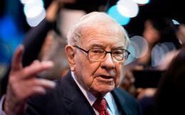 Warren Buffett và các bậc thầy đầu tư khuyên gì trong lúc thị trường hoảng loạn?
