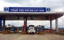 Trạm thu phí Nội Bài – Lào Cai bị sét đánh tê liệt
