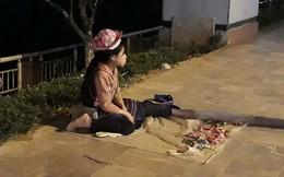 Phía sau những đứa trẻ bán hàng rong ở Sa Pa