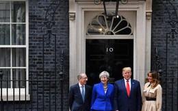 Bất ngờ kẻ 'dám' chặn xe Quái thú của Tổng thống Trump ngay trước mắt Thủ tướng Anh