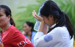 Giám đốc Sở GD&ĐT Quảng Bình nói gì khi một nữ sinh quỳ gối khóc nức nở trước cổng trường vì không biết lịch thi lại môn Văn