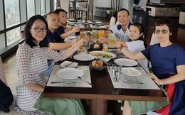 """Lại Văn Sâm """"phá lệ"""" khoe ảnh đại gia đình trong ngày sinh nhật"""