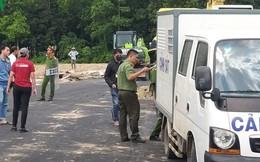 Nhiều người mặc áo chữ Tập đoàn Alibaba ngăn cản xử lý sai phạm đất