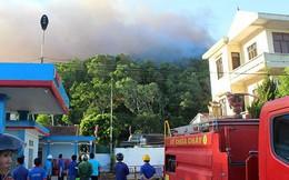 Cháy rừng ở Hà Tĩnh bùng phát trở lại uy hiếp trạm xăng