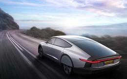 Ôtô điện chạy bằng năng lượng mặt trời đầu tiên trên thế giới
