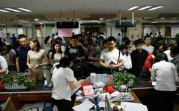 Cứ xong kỳ thi đại học khốc liệt hằng năm, các vị phụ huynh Trung Quốc lại lũ lượt rủ nhau đi làm thủ tục ly hôn