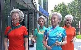 """""""Chất"""" như 4 bà ngoại Trung Quốc: Lúc trẻ làm to, về già theo đuổi nghiệp người mẫu để giữ khí chất sang chảnh"""