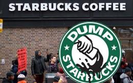 Đề nghị cảnh sát 'đi khuất mắt' để không làm khách hàng lo sợ, Starbucks hứng chịu làn sóng chỉ trích gay gắt
