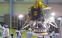 Kế hoạch thám hiểm Mặt Trăng của Ấn Độ bị hoãn vào phút chót