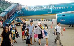 Khách nữ rỉ máu ngực, máy bay phải hạ cánh khẩn cấp