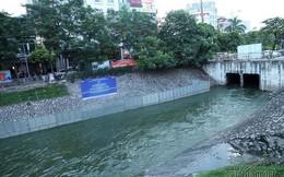 Nước hồ Tây lại xối vào sông Tô Lịch, 'nhấn chìm' thiết bị Nhật