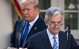 Tổng thống Trump và Chủ tịch Fed đã đem đến 48 giờ hỗn loạn cho nhà đầu tư như thế nào?