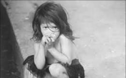 Chuyện kỳ lạ có thật về bé gái 5 tuổi được đàn khỉ nuôi dưỡng, về thế giới văn minh vẫn hành động như khỉ và cái kết không tưởng lúc cuối đời