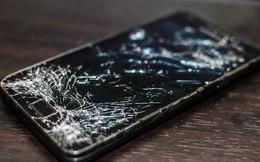 Chơi game 4 tháng liên tiếp trên smartphone rạn kính, thanh niên Malaysia suýt phải cắt bỏ ngón tay cái vì nhiễm trùng
